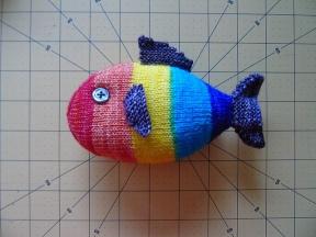 20180221_knit_rainbow-fish__800x600__medium2